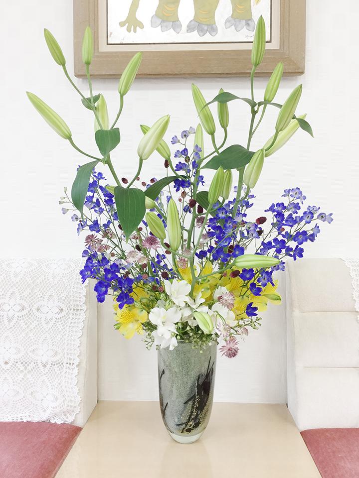 待合室の生け花